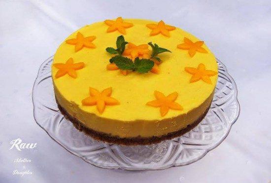 raw mangová torta