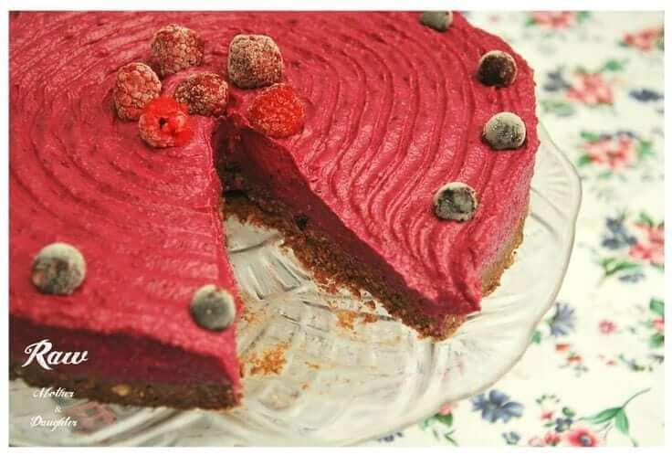 raw torta lesné ovocie