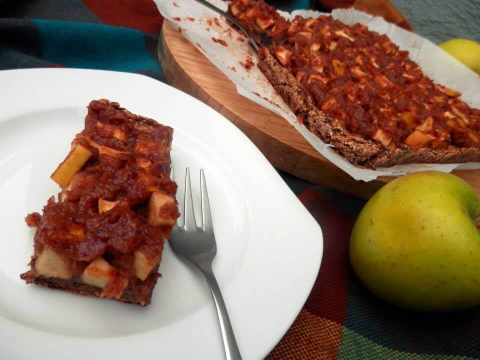 raw jablkový koláč jablčník