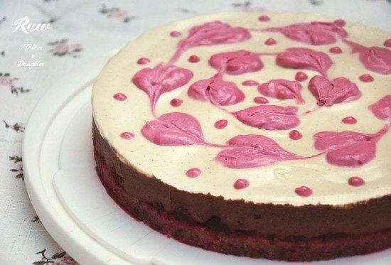 raw čokoládová torta