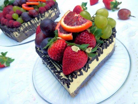 Raw mangovo čokoládová torta