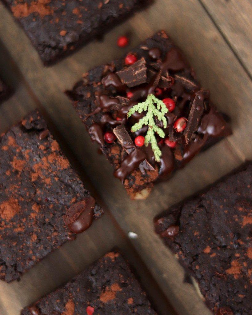 Vegan brownies s ríbezľovým džemom