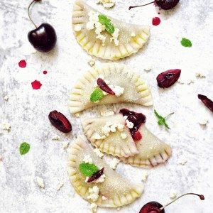 vegan krupicové perky s višňovým džemom