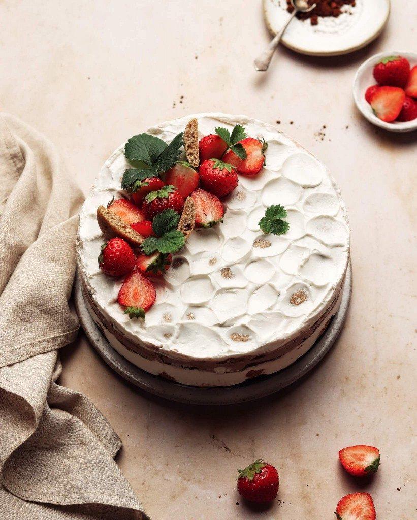 piškótová torta so smotanou