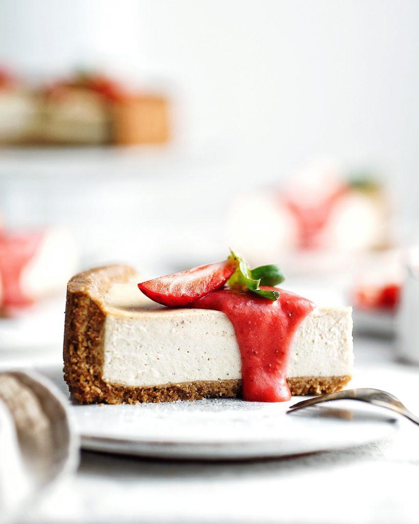 Vegan cheesecake z tofu a jahodový curd - krém