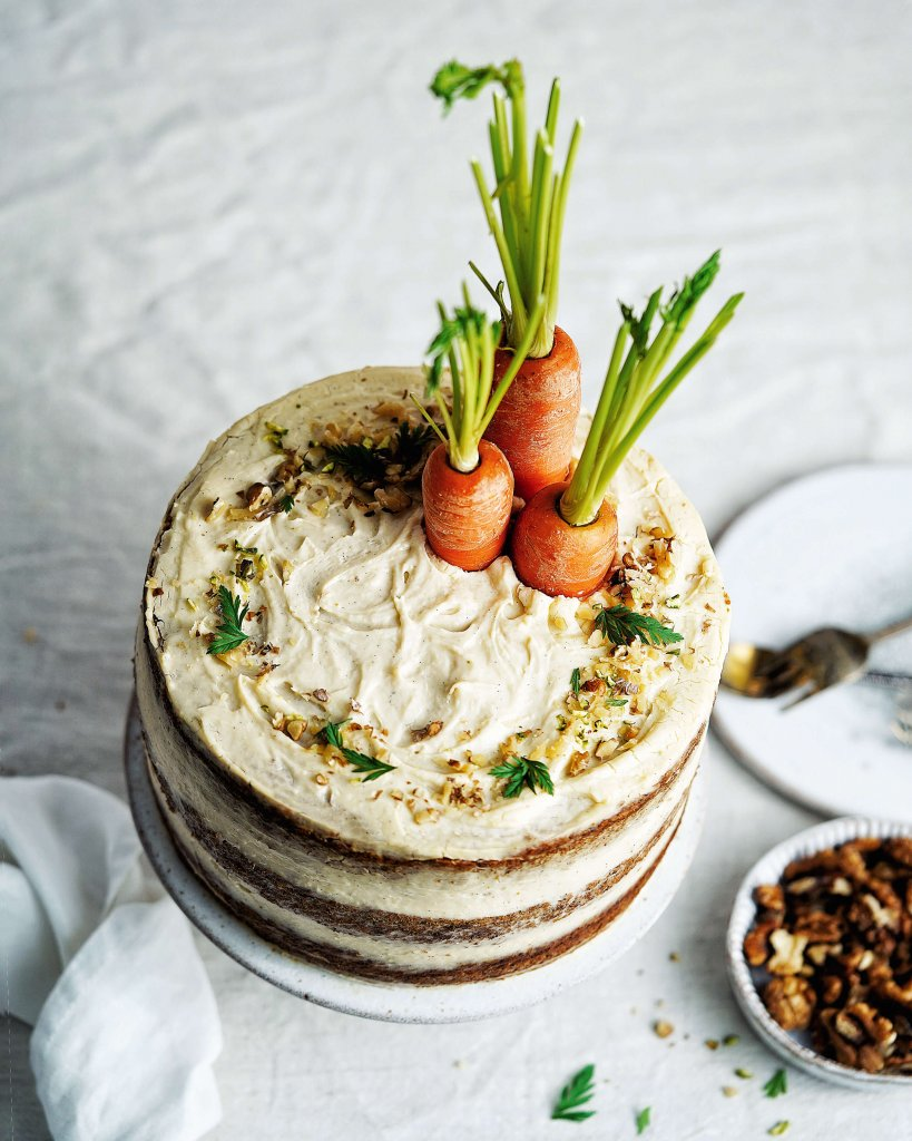 vegan mrkvová torta s vanilkovým krémom