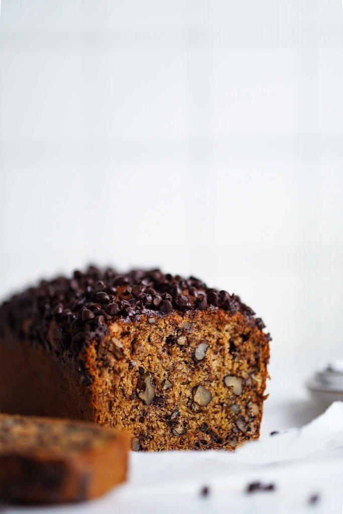 vegan banánový koláč chlieb s čokoládou